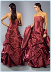 7511c50407f Đianthe je největším specializovaným prodejcem pro společenské šaty